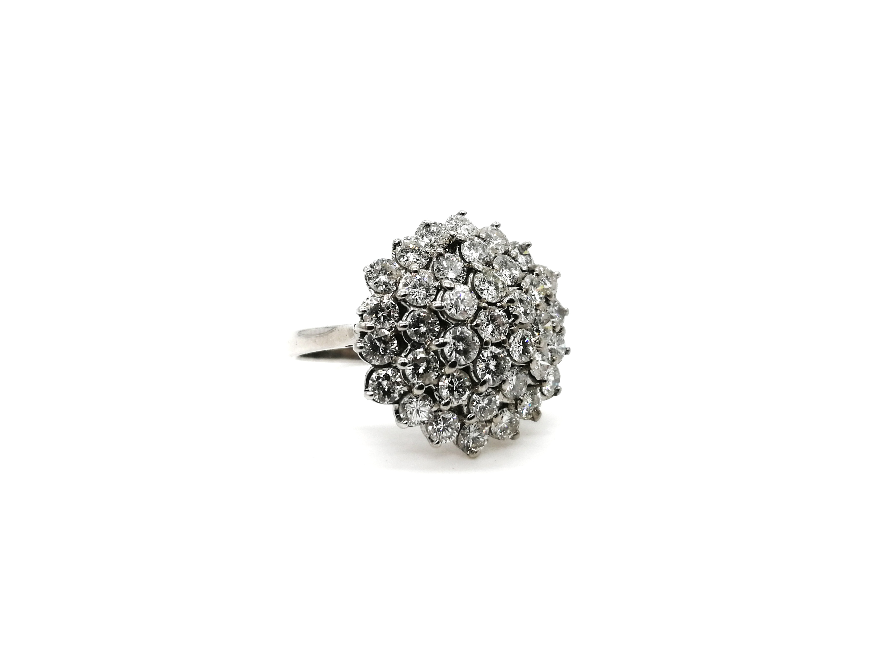 Vintage 1970s 18ct White Gold Classic 3.20ct Diamond Cluster Ring